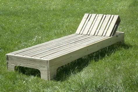 plan chaise de jardin en bois chaise longue en palette esprit cabane idees creatives