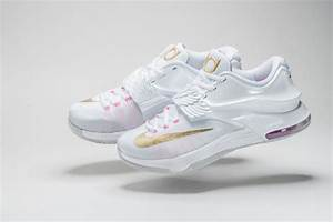 NIKE KD7 - AUNT PEARL - The Drop Date