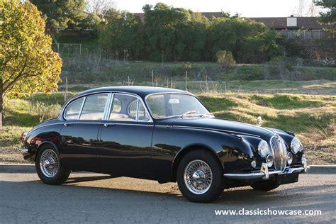 1971 Jaguar XJ6 4.2 Series 1 SWB - Car Photo and Specs