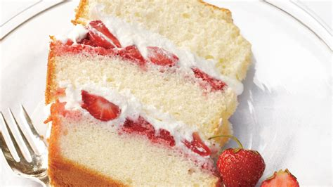 chiffon cake  strawberries  cream
