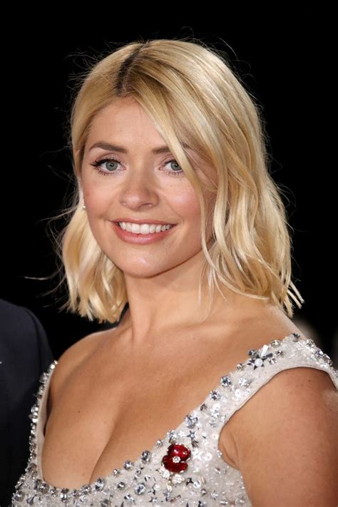 holly willoughby makeup  affordable glitter eyeshadow