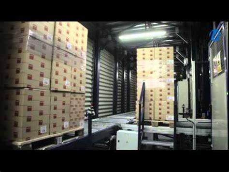 interno flussi flussi continui di merci con trasportatori di pallet