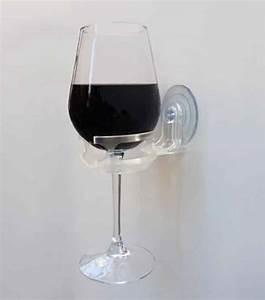Support Verre à Vin : sirotez un petit verre de vin ou de bi re dans votre bain gr ce ce porte verre pour baignoire ~ Teatrodelosmanantiales.com Idées de Décoration
