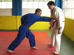 solar plexus punch boxing back fist reverse twist punch combination yellow belt