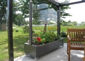 balkon sicht und windschutz die besten 17 ideen zu windschutz glas auf pergola metall sonnenschutz markisen und
