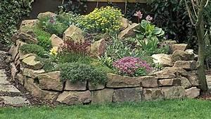 Hang Bepflanzen Bodendecker : steingarten anlegen passende steine und steingartenpflanzen ~ Lizthompson.info Haus und Dekorationen