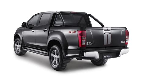 isuzu  max  runner special edition launched