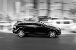 Audi Q5 Business Executive : free images black and white wheel city asphalt drive auto black white background rush ~ Medecine-chirurgie-esthetiques.com Avis de Voitures