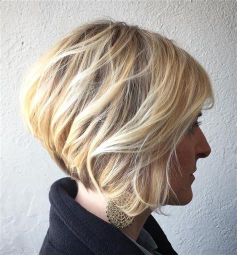 strähnchen kurze haare frisuren kurz mittellang gestuft beliebte haarschnitte 2019