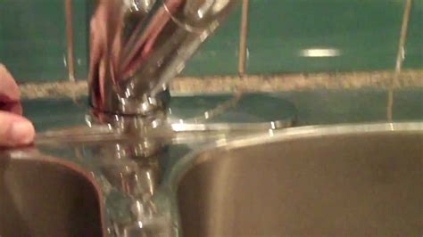 tighten  moen salora single handle kitchen faucet
