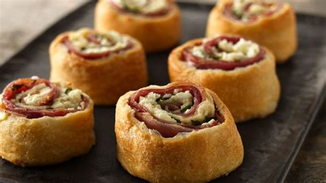 Make these easy pies this weekend! Mediterranean Crescent Pinwheels recipe from Pillsbury.com