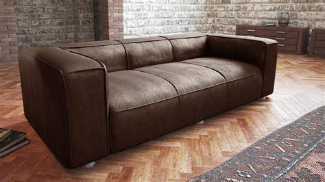 canape cuir marron fauteuil cuir vieilli vintage table de lit a roulettes