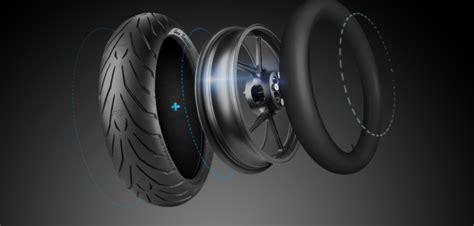 chambre à air dans pneu tubeless pneu moto jante et chambre 224 air tubetype tubeless ou