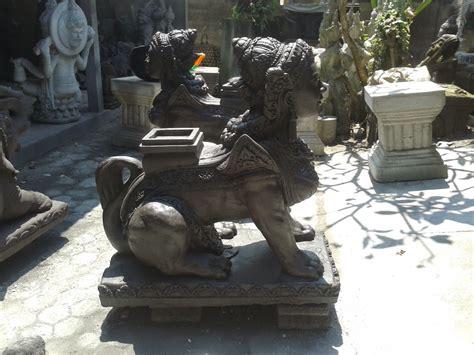 Liklik Batu Collection: Patung Spink Bali (singa berkepala