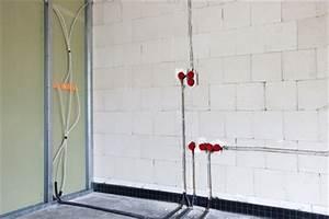 Estrich In Garage Selber Machen : leitungen verlegen rohrverlegung kabelverlegung tipps ~ Markanthonyermac.com Haus und Dekorationen