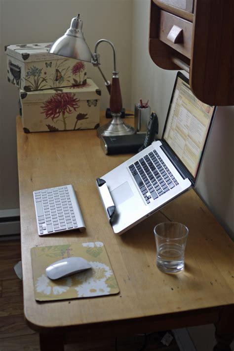 si e ordinateur ergonomique bureau de travail ergonomique avec un portable
