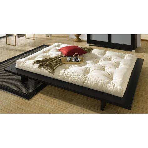 chambre avec lit noir lits chambre literie cadre de lit japonais noir
