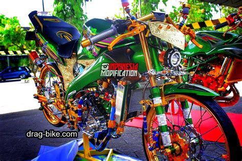 Vixion Thailook Style by Modifikasi Motor Balap Vixion Racing Thailook Style