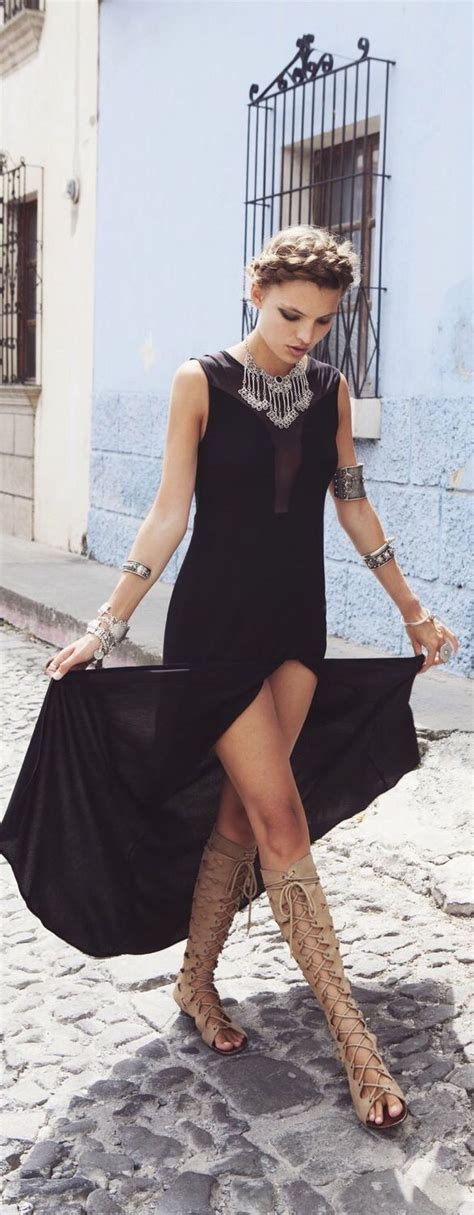 21 Cool Outfit Ideas for Gladiator Sandals | Styles Weekly