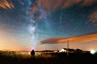 best time to view meteor shower tonight see the best perseid meteor shower photos time