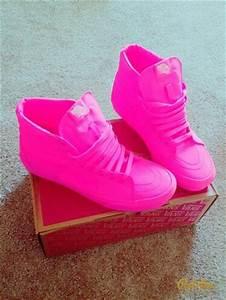Neon pink High top vans $₦EλƙEƦ ₣ƦEλƙ Pinterest