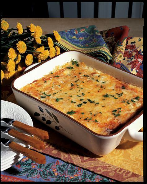 baked macaroni  cheese  cheddar  mozzarella recipe relish