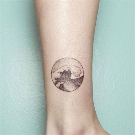 tatouage cercle bras cercle tatouage vague poignet id 233 e tatouage bras tatoo