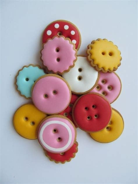 button sugar cookies 17 best images about cute as a button party on pinterest button cookies a button and button cake