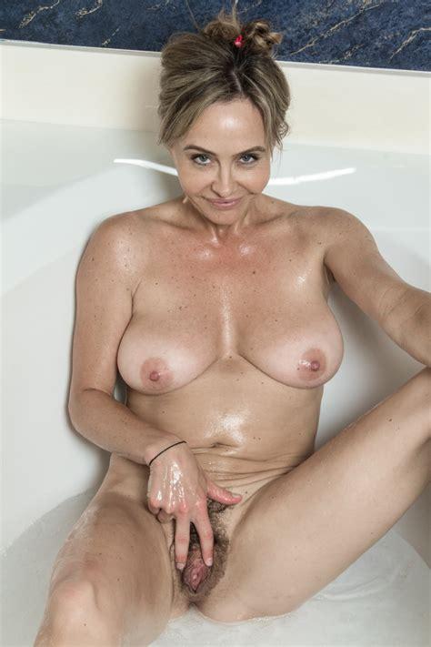 Sexy Bathtub Fun With The Beautiful Sarah Michaels Pichunter