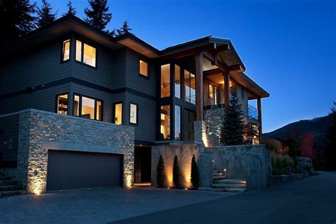 5 Home Design Ideas : A Stylish House In British Columbian Mountains For $8.5