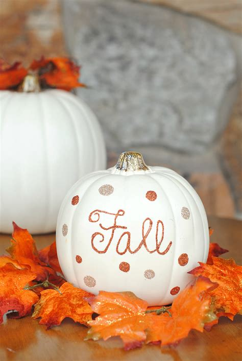 pumpkins and fall pictures fun simple fall decor for your home gitter pumpkins