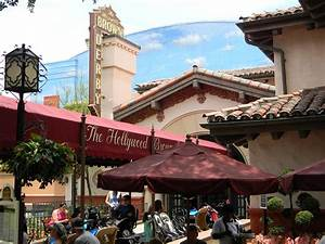 Lunch at the Brown Derby in Walt Disney World's Hollywood ...