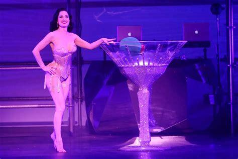 Burlesque Goddess Dita Von Teese Nude Topless Sexy Pics Scandal Planet
