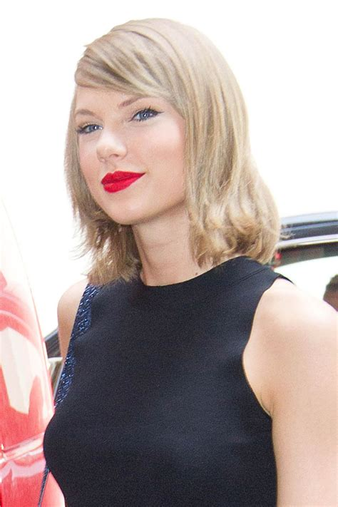 TAYLOR SWIFT Leaves and Back to Her Home in New York 05/26 ...
