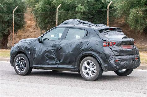 nissan juke  preview  revamped crossover shown