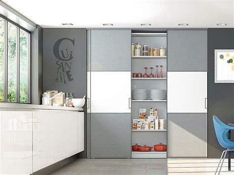 modele placard cuisine portes de placard coulissantes de cuisine sur mesure