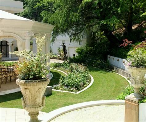Garden Decoration Design by Modern Luxury Design Of The Garden House Plan Can Be Decor