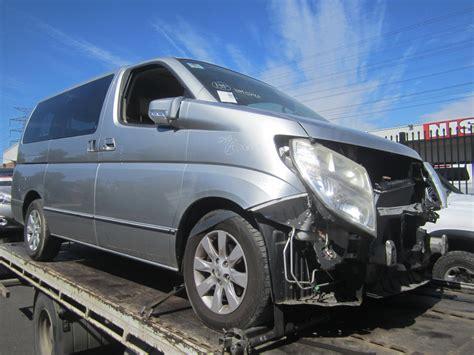 nissan elgrand  vq auto silver  wrecking