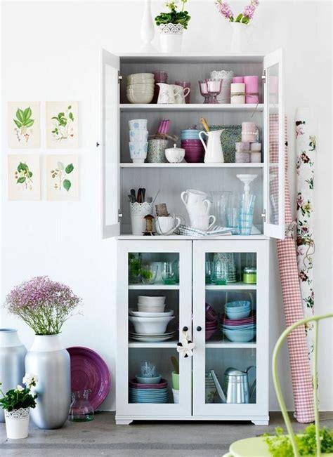 küchen hängeschrank glas ikea borgsj 246 vitrinsk 229 p ha mindre fyllt och med bara glas