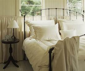 Types Of Bed Sheets by Types Of Bedding List Of Basic Terms And Items
