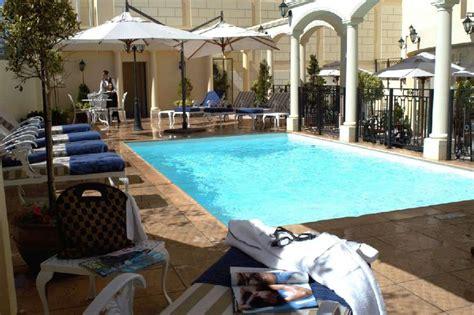 radisson blu le vendome hotel cape town south africa