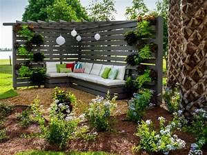 sitzecke im garten relax im grunen archzinenet With französischer balkon mit garten sitzecke holz
