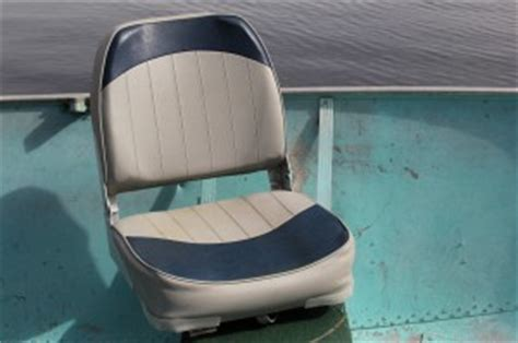Old Boat Seats by How To Install A Swivel Plate And Boat Seat In An Old Lund