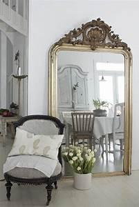 Grand Miroir Chambre : comment d corer avec le grand miroir ancien id es en photos miroir pinterest ~ Teatrodelosmanantiales.com Idées de Décoration