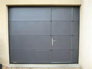 porte de garage coulissante motorisee avec portillon portail de garage avec porte obasinc