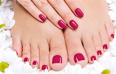 7 Colors To Have Stunning Toenails
