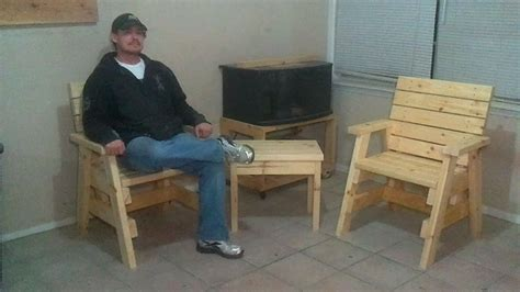 build  outdoor arm chairs   side table jays