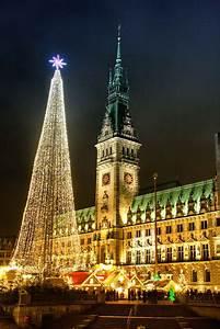 Schönste Weihnachtsmarkt Deutschland : rathausmarkt in hamburg zur weihnachtszeit germany hamburg sehensw rdigkeiten ~ Frokenaadalensverden.com Haus und Dekorationen