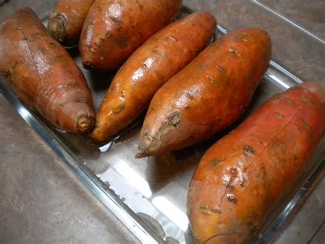 how to cook sweet potato oven how to bake a sweet potato in the oven