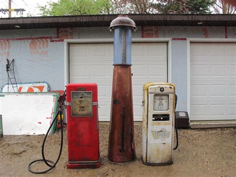 Old Gas Pumps And Or Parts Weyburn, Regina